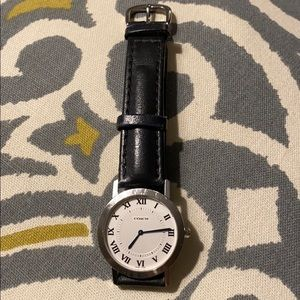 Coach classic leather strap watch